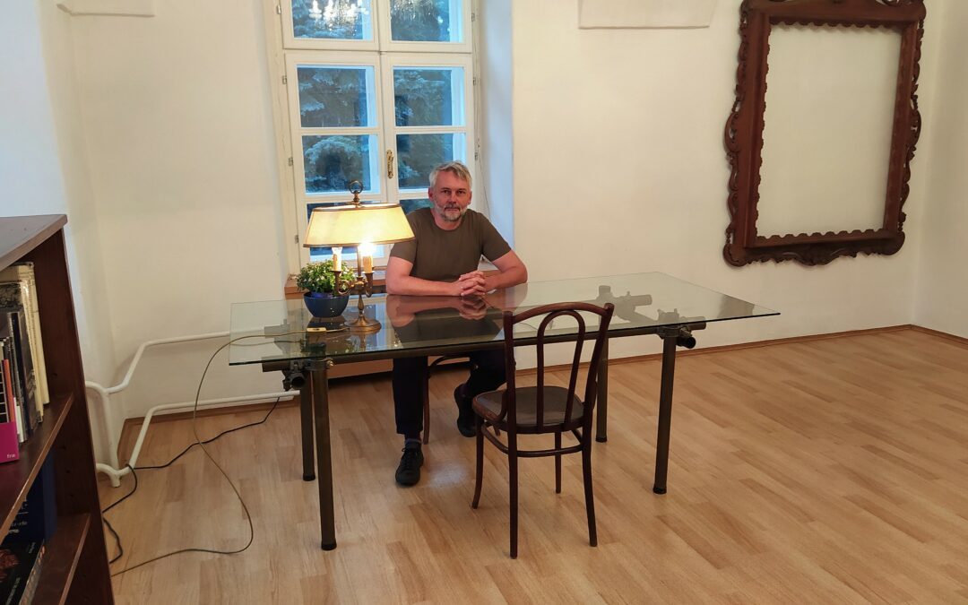 Rozhovor s Petrem Borkovcem o jeho tvůrčním pobytu v Luhačovicích